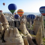 The-Unique-Moon-Like-Landscape-in-Cappadocia-Balloons