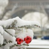 ss-g-french-eiffel-tower-paris-snow-christmas